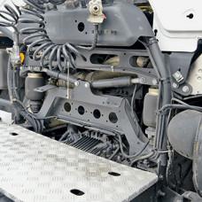 Пневмоподвеска кабины задняя, замена р/к SC 4 ser (1 сторона), кабина поднята)